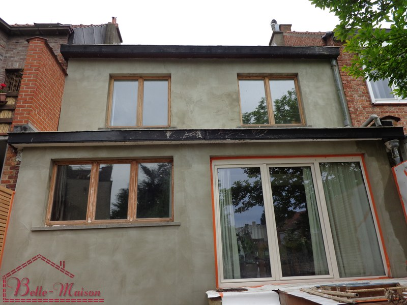 Fa ades renovation ravalement isolations peinture corniche for Belle facade maison
